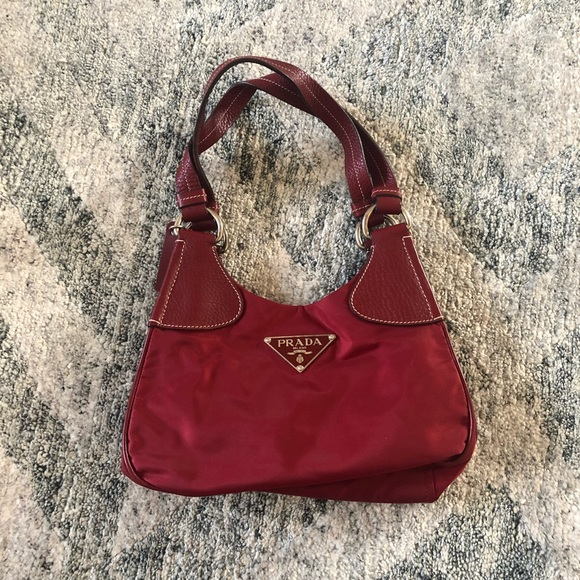 5143f095d1e5 Prada Bordeaux Classic Handbag. M_5b4bec642e1478246127e958